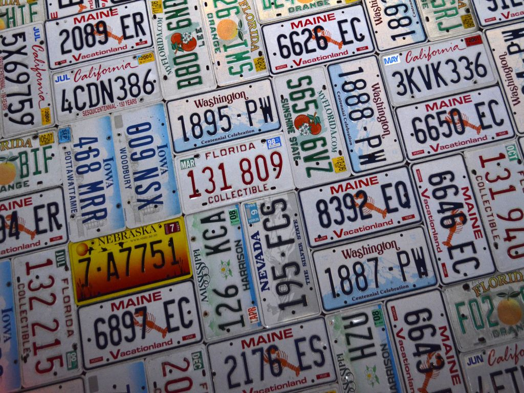 Old license plates heres 20 ingenious projects you can do license plate clipboards solutioingenieria Choice Image